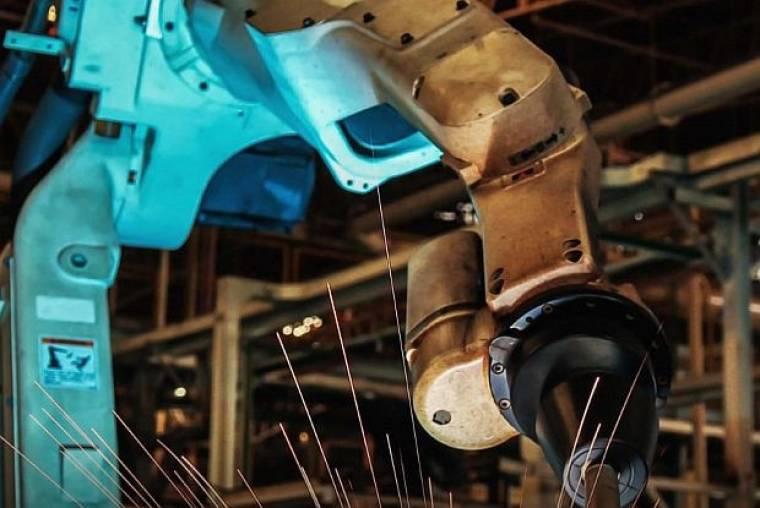Együttműködő robotok nélkül nincs jövő a járműiparban
