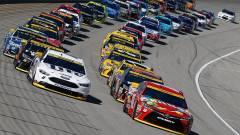 Az elmaradt NASCAR versenyek helyett is szimulátorokban zajlanak tovább a futamok kép
