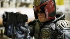 Karl Urban elmesélte, hogy mi lehet Dredd bíró szerepe a sorozatban kép