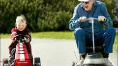 Az idősekre céloz a Google kép