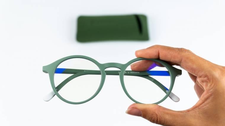 Itt a szemüveg, ami a monitoroktól és mobiloktól védi meg a szemed kép