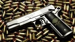 Amerika okosfegyverekkel küzdene az idióták ellen kép