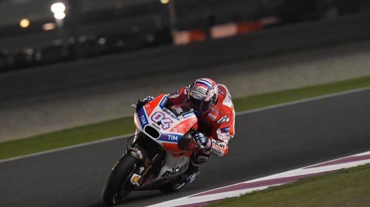 MotoGP 18 - lassított felvételen száguldoznak a motorok bevezetőkép
