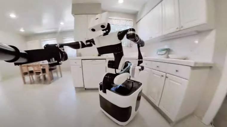 Szelfizve takarít a Toyota robotja kép