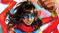 Szuperhős szerkójában láthatjuk a Ms. Marvel sorozat címszereplőjét kép