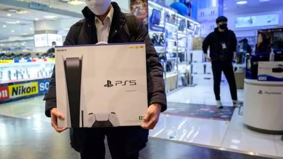 10 millió eladott példánnyal már a PlayStation 5 a Sony leggyorsabban fogyó konzolja kép