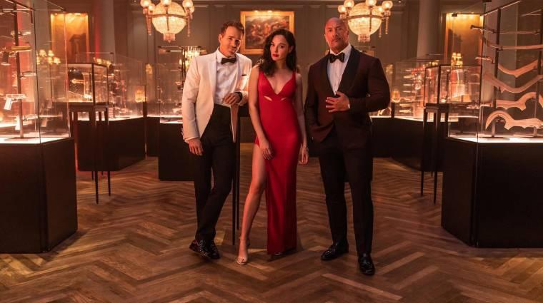 Előzetesen Dwayne Johnson, Ryan Reynolds és Gal Gadot közös filmje bevezetőkép