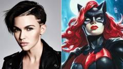 Itt az első hivatalos kép Ruby Rose Batwomanjéről kép