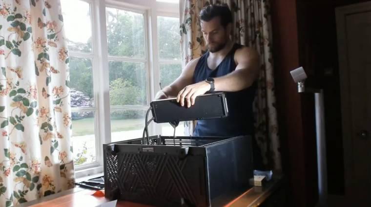 A nap videója: Henry Cavill PC-t épít bevezetőkép
