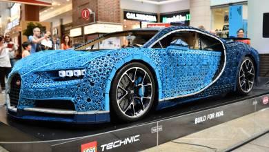 Budapesten parkol a LEGO kockákból épített Bugatti