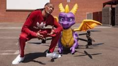 Napi büntetés: Snoop Doggnak egy tűzokádó Spyro drón vitte el a játékát kép