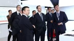 A Huawei vezetőjével tárgyalt Varga Mihály kép