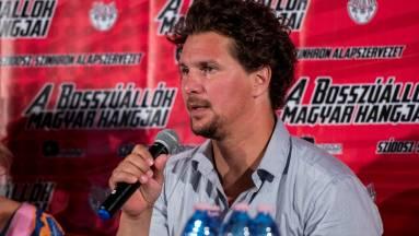 A Bosszúállók filmek hangjai kiállnak a magyar szinkronért kép