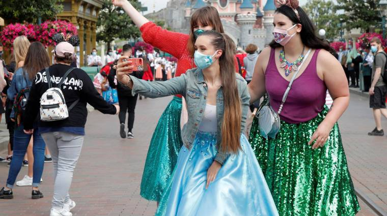 Több mint 2000 milliárd forintos veszteség érte idén a Disney-t a vidámparkok bezárása miatt bevezetőkép