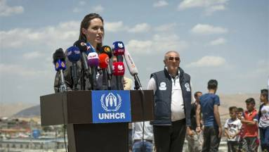 Angelina Jolie is regisztrált az Instagramra, hogy az afganisztáni helyzet ellen szólaljon fel fókuszban