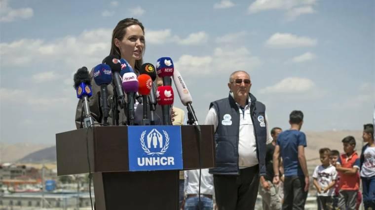 Angelina Jolie is regisztrált az Instagramra, hogy az afganisztáni helyzet ellen szólaljon fel kép