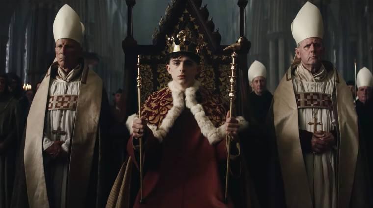 Timothée Chalamet háborúra készül a Magyarországon forgatott The King utolsó előzetesében kép