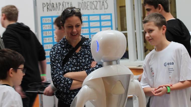Robotszumó, workshopok, és izgalmas új technológiák várnak mindenkit Budapest legnagyobb robotrendezvényén bevezetőkép
