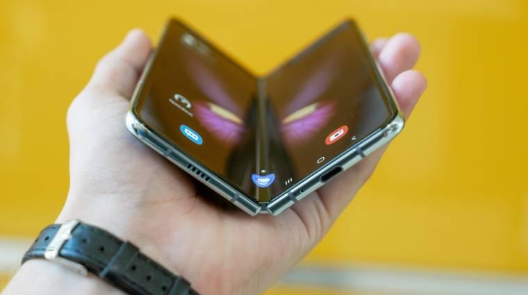 Ránctalanítja a hajtogatós mobilokat az LG új technológiája kép