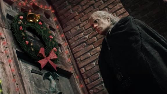 Karácsonyi köntöst kapott a Vaják sorozat, a végeredmény egyszerre zseni és bizarr kép