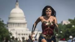 Jelen állás szerint nem marad el a Wonder Woman 1984 mozis premierje kép