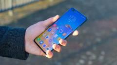 A Huawei hozhat először kijelző alá épített szelfikamerát kép