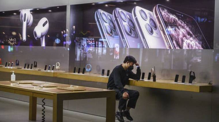 Az okostelefon- és LCD-gyártást is visszaveti a koronavírus kép