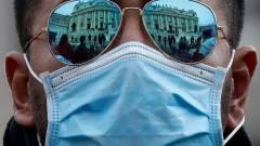 Betiltja a koronavírus miatt riogató, félrevezető hirdetéseket a Facebook kép