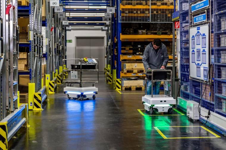 Nyakunkon a mobil robotok korszaka - napiszleng.hu
