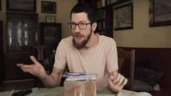 A legszerencsétlenebb iPhone unboxing videó lett az új kedvencünk kép