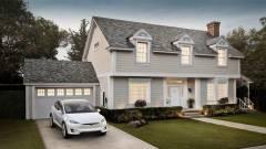 Idén mindenhová megérkeznek a Tesla napelemes tetőcserepei kép