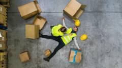 Botrány az Amazonnál: 10 órás éjszakai műszakokra kényszerítik az alkalmazottakat kép