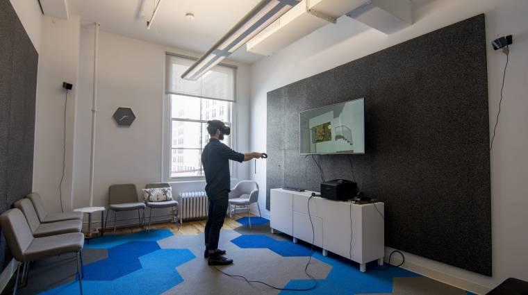Az Apple segítene, hogy a virtuális valóságban elmerülve ne tegyünk kárt magunkban kép