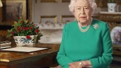 Zöld ruhát vett fel az angol királynő, az internet tette a dolgát kép