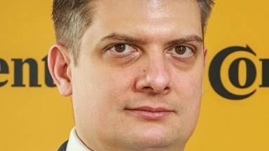 Új vezető az MI-központban kép