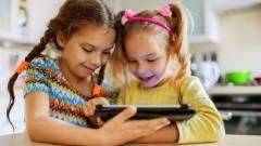Nem túl szigorú a YouTube kiskorúakat védő pajzsa, egy csomó felnőtt reklámot látnak gyerekek kép