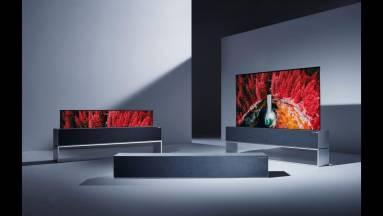 Több mint 27 millió forintért már haza lehet vinni az LG feltekerhető tévéjét kép