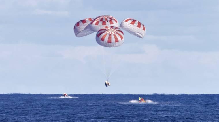 Sikeresen visszatért a Földre a SpaceX Crew Dragon kép