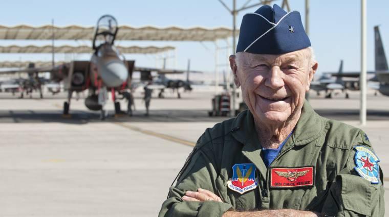 97 évesen meghalt Chuck Yeager, az a pilóta, aki elsőként lépte át a hangsebességet kép