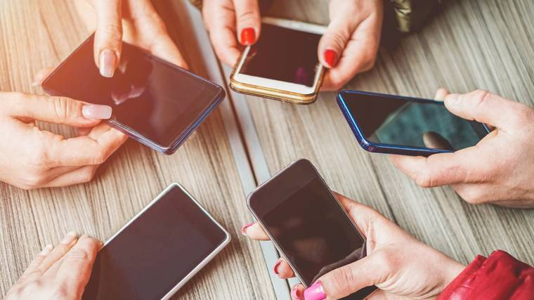 okostelefonok az eMAG webáruházban
