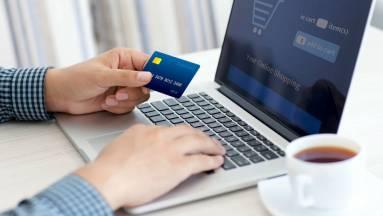Nemsokára változik az internetes kártyás fizetés kép