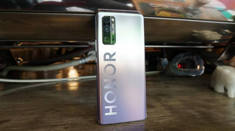 Hivatalos: a Huawei eladja a Honort kép