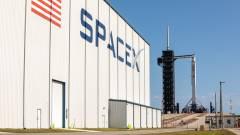Itt nézheted meg az elképesztő fotókat a SpaceX űrhajó szombati kilövéséről kép