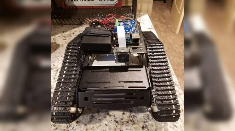 A Twitchen keresztül lehet irányítani ezt a robotot kép
