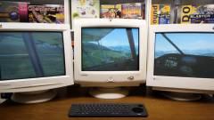 Mi kell az igazán jó Microsoft Flight Simulator-élményhez? Három CRT monitor! kép