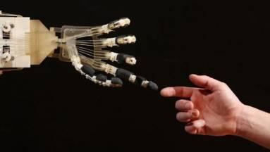 Az intelligens robotok mentik meg Japánt kép