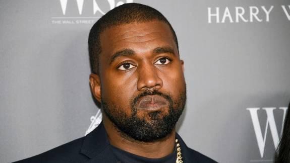 Napi büntetés: Kanye West nevet változtatott, egyszerű lesz megjegyezni, hogy kell mostantól szólítani kép