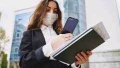 Kontaktkeresés koronavírus idején - előnyök és veszélyek kép