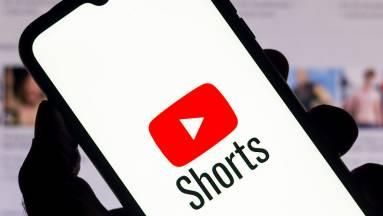 100 millió dollárral csábítja a YouTube Shorts a TikTok alkotóit kép