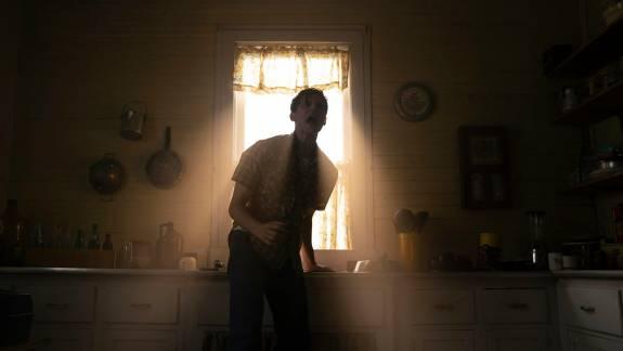 Magyar szinkronnal sem kevésbé ijesztő a Démonok között 3 első trailere kép